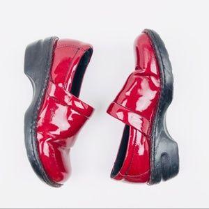 B.O.C. Born Concepts Slip On Red Clog Women Sz 9.5